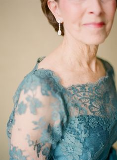 Mother-of-the-bride in delicate blue lace | Photography: http://www.lexiafrank.com