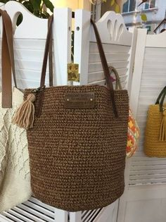 Small Space Interior Design, Fabric Bags, Handmade Bags, Lana, Design Trends, Straw Bag, Purses And Bags, Crochet Patterns, Reusable Tote Bags