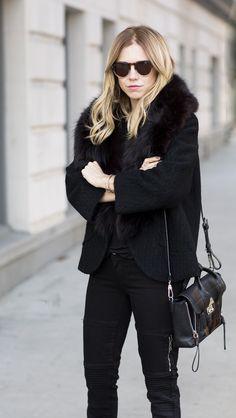 Style - Minimal + Classic : Vintage Tweed Chanel Blazer with Fur Trim Blogger Courtney Trop Always JUdging blogger in LA