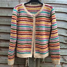 Crochet Cardigan Ravelry: CannyCat's Vintage Cluster Cardi - The buttons were wooden ones, painted with humbrol enamel paints :) Gilet Crochet, Black Crochet Dress, Crochet Cardigan Pattern, Crochet Jacket, Crochet Blouse, Knit Crochet, Crochet Patterns, Tricot Simple, Pull Crochet
