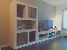 Kast en tv meubel steigerhout By studio Fien Shop op: www.studiofien.nl