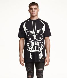 Long jersey T-shirt with a Star Wars printed design in black and white. | H&M Divided Guys
