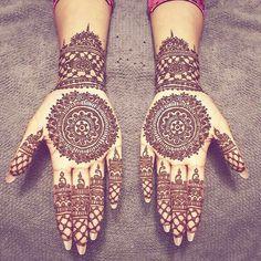 Ten Gorgeous Wedding-Day Henna Designs Henna Designs You Need To See- henna Henna Hand Designs, Eid Mehndi Designs, Indian Henna Designs, Stylish Mehndi Designs, Wedding Mehndi Designs, Mehndi Design Images, Beautiful Henna Designs, Mehndi Designs For Hands, Henna Tattoo Designs