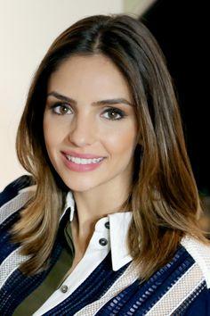 Video com a Carol Celico de uma proposta de makeup versátil, que serve como base para muitas produções.