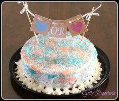 Pastel niño o niña!  Descubre el sexo de tu bebé al partir el pastel, el relleno será de color rosa o azul segun sea el caso.