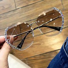 Stylish Sunglasses, Retro Sunglasses, Mirrored Sunglasses, Sunglasses Women, Sunglasses Price, Moda Vintage, Vintage Rhinestone, Crystal Rhinestone, Mocca