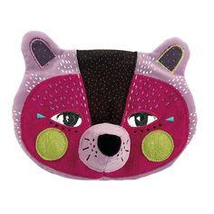 Mardi prochain c'est Mardi-Gras ! C'est le moment de préparer ses plus beaux déguisements ! Découvrez les masques entièrement brodés de la collection les Mask'ottes ! #moulinroty #moulin_roty #mardigras #masque #kids #panthere #deguisement #party #love #instagood #beautiful #cute #cool #instacool #good #fun