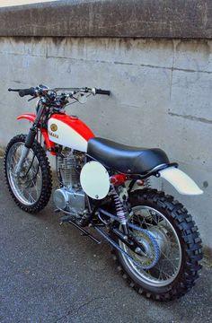 Yamaha SR 400 by BratStyle