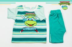 Set of T-shirt and blue-green shorts with Leonardo Ninja Turtle print. Will keep your baby boy the happiest. The material is 100% cotton and the color after washing stays the same. But most important is that these T-shirt and shorts are easy to wear and easy to pay.