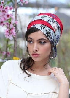 The fringe turban is made of a smooth, printed fabric, designed to be tied in many creative ways! The turban features a length of fringes, adding a bohemian touch to your head covering. This turban is made of a blue and mustard printed material with a t Bad Hair, Hair Day, Headdress, Headpiece, Scarf Styles, Hair Styles, Hair Cover, Scarf Hairstyles, Bandeau