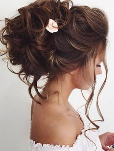 Elstile wedding hairstyles for long hair 28 - Deer Pearl Flowers / http://www.deerpearlflowers.com/wedding-hairstyle-inspiration/elstile-wedding-hairstyles-for-long-hair-28/