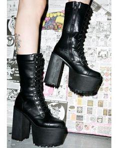aad9c74898 Demonia Paranoia Platform Boots | Dolls Kill Kesztyű, Emos Divat,  Viktoriánus Gótika, Telitalpú
