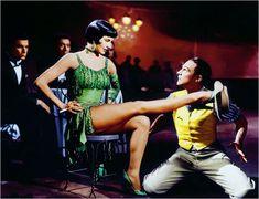 """Se convirtió en estrella tras bailar con Gene Kelly en la secuencia de Broadway Melody Ballet de """"Singin' in the Rain"""" en 1952."""