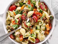 Greek Chicken Pasta Salad is the perfectly refreshing and filling summer meal with its medley of vegetables and tangy lemon garlic dressing.