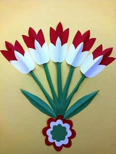 The colors of the Hungarian flag: red, white and green. Independence Day Decoration, Class Decoration, School Decorations, Spring Art, Spring Crafts, Flower Cards, Paper Flowers, Easter Crafts, Christmas Crafts