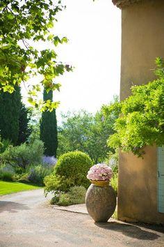 mariage château de grand boise   Trets en Provence  décorateur floral évènementiel www.pearlywhiteconcept.com