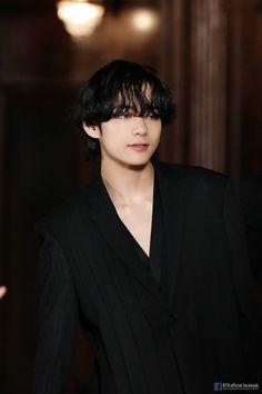 Taehyung bts Tae v V Taehyung, V E Jhope, Daegu, Seokjin, Kim Namjoon, Foto Bts, Bts Bangtan Boy, Bts Boys, Jung Hoseok