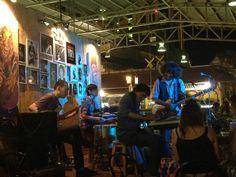 Boy Blues Bar - Awesome blues bar above the market (Chiang Mai)