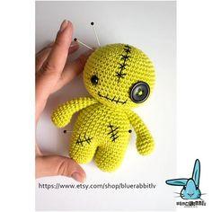 Mesmerizing Crochet an Amigurumi Rabbit Ideas. Lovely Crochet an Amigurumi Rabbit Ideas. Halloween Crochet Patterns, Crochet Patterns Amigurumi, Crochet Toys, Mug Rug Patterns, Doll Patterns, Crochet For Kids, Easy Crochet, Irish Crochet, Crochet Baby Pants