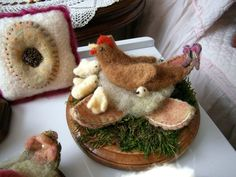 felted hen and chicks   Needle felted by Pat Hokenson on Blue Butterfly Originals
