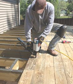 DIY Build a Freestanding Cantilevered Deck