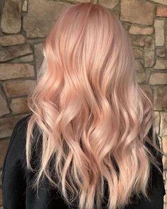 Peach Hair Dye, Peach Hair Colors, Pink Blonde Hair, Hair Color Pink, Hair Dye Colors, Pastel Hair, Peachy Pink Hair, Bright Pink Hair, Hair Color For Fair Skin