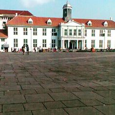 Kota Tua is part of Indonesia Histories. Dutch Colonial, Old City, Jakarta, Four Square, Art Deco, Museum, Mansions, History, House Styles