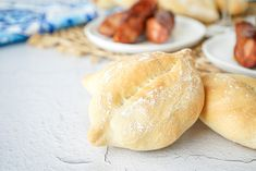 Papo Secos (Portuguese Crusty Rolls) Portuguese Recipes, Portuguese Food, Ma Baker, Crusty Rolls, Protein Bread, Grilled Sausage, Onion Soup, Rolls Recipe, Dry Yeast