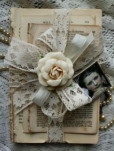 shabby vintage books-made some of these with my sister. Ours were a little diffe… shabby vintage books-made some of these with my sister. Ours were a little different and we personalized them. Shabby Vintage, Vintage Crafts, Vintage Books, Vintage Lace, Vintage Decor, Vintage Romance, Vintage Country, Shabby Chic Stil, Shabby Chic Crafts