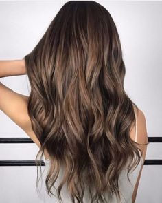 Trendy Brown Hair Color Ideas You Can Try brown hair colors, brown hair with caramel highlights, ashy brown hair, chocolate brown hair Brown Hair Balayage, Brown Blonde Hair, Hair Highlights, Ombre Hair, Brown Hair Caramel Highlights, Chocolate Highlights, Purple Hair, Black Hair, Long Hair Waves