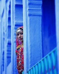 young woman in Jodhpur, Rajasthan, India by hiscinnamongirl Jodhpur, New Delhi, Amazing India, Indian Colours, Visit India, Blue City, Rajasthan India, India Travel, India Trip