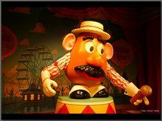 Mr Potatohead Tokyo Disney Sea, Ronald Mcdonald, Entertainment, Fictional Characters, Art, Art Background, Kunst, Fantasy Characters, Art Education