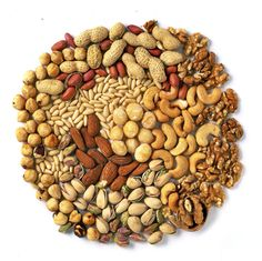 Guru Nanak Dry Fruits - Dried Fruit, Dry Anjeer & Kagzi Almond Importer from New Delhi, Delhi, India Fruits And Vegetables Images, Fruits Images, Spices Packaging, Food Packaging Design, Nuts In Shell, Healthy Nuts And Seeds, Shelled Peanuts, Granola, Organic Nuts