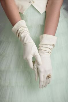 """Lady Like"" ~Kennedy Chic Cool Winter, Winter Diy, Winter Bride, Wedding Gloves, Turquoise, Aqua, Mode Vintage, Vintage Style, Vintage Green"