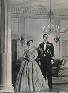 English Royal Family, British Royal Families, Royal Queen, King Queen, Young Queen Elizabeth, Her Majesty The Queen, Prince Phillip, Elisabeth, Princess Margaret