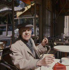 Jean Philippe Arthur Dubuffet by Ida Kar, 2 1/4 inch square colour transparency, 1964.Photo: Courtesy National Portrait Gallery.