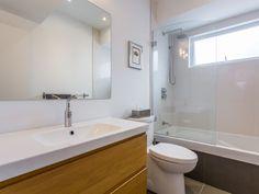 Appartement / Condo - Via Capitale Bathroom Ideas, Condo, Bathtub, Mirror, Frame, Furniture, Home Decor, Bath, Standing Bath