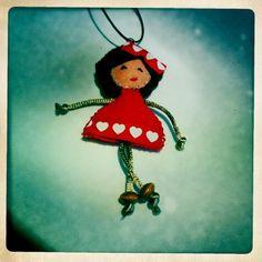 Clorinda ha sido mi primera muñeca! y está en un sitio muy importante!