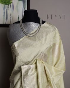 Simple Sarees, Trendy Sarees, Sari Blouse, Saree Dress, Indian Dresses, Indian Outfits, Drape Sarees, Recycled Dress, Indian Couture