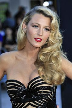 Blake Lively Savages Premiere at Village Theater on June 25, 2012-1 « Gossip Girl Net