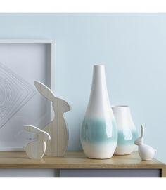 Leonardo Nido vazen: Met een paar mooie (paas)takken maak je een mooie eyecatcher. #woondecoratie #vaas