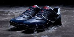 Slip into your Amphibiox® sneakers and start your new urban adventure! Jordans Sneakers, Air Jordans, Fall Winter, Autumn, Hiking Boots, Urban, Adventure, Navy, Men