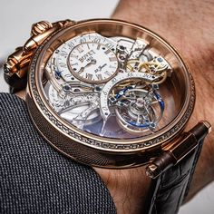 The *incredible* Bovet Amadeo Tourbillon Braveheart is just out of this world! Reversible case, two dials, 22 days power reserve! Oh, and it costs $557,000!😱 #bovet #bovetwatch #dresswatch #goldwatch #halfamillion #incredible #womw #tourbillon #tourbillonfanatic #wow