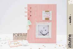 TUTO – Mini-Album Or, cuivre, rose, mint – Aurélie V. | L'univers de Zibuline Mini Albums Scrap, Mini Scrapbook Albums, Mini Books, Flip Books, Pocket Letters, Home And Deco, Scrapbooks, Floating Nightstand, Rose