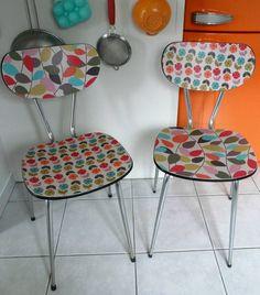 Paires de chaises en formica