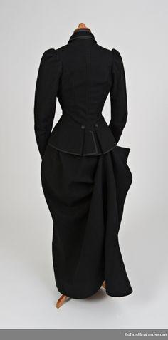 c7409750fe6 56 best Yves Saint Laurent images   Fashion History, Vintage fashion ...