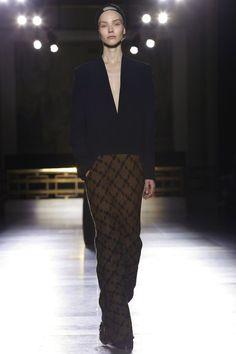 Haider Ackermann Ready To Wear Fall Winter 2014 Paris - NOWFASHION
