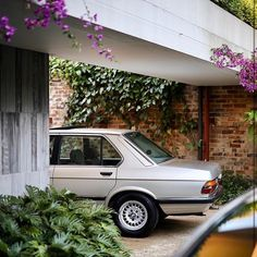 Repos Bmw 520i, Bmw E36, Bmw Classic Cars, Cool Cars, Mopeds, Instagram, Rest, Modern, Cars