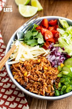 These Turkey Rice Burrito Bowls make a great family meal - sit down and grab a bowl with your favourite toppings. Gluten Free, Dairy Free, Slimming World and Weight Watchers friendly Quick Lunch Recipes, Whole Food Recipes, Vegetarian Recipes, Healthy Recipes, Meal Recipes, Chicken Recipes, Recipies, Slimming World Turkey Burgers, Burger In A Bowl