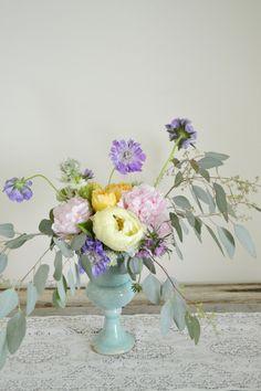 Pastel pretty: http://www.stylemepretty.com/living/2015/05/09/17-fabulous-diy-flower-arrangements/